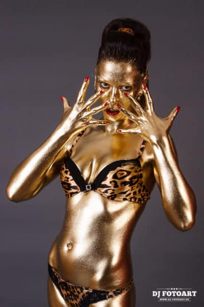 Bodypainting Gold