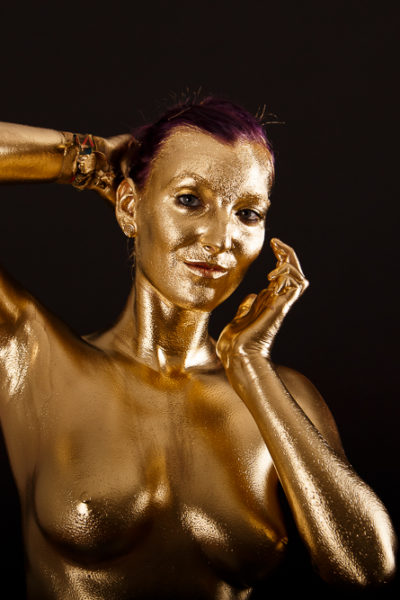 Bodypainting in Gold